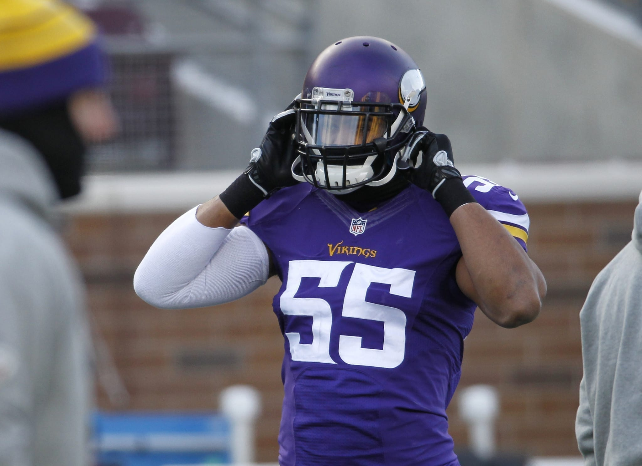 Anthony Barr Is Back Baby