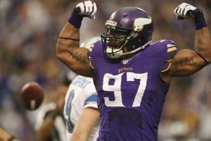 Chi-everson-griffen-resigns-with-vikings-20140-001-300x200